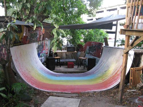 7-Juni-Figueroa,-Chemi-Rosado,-Stefan-Benchoam--arcoiris-invertido