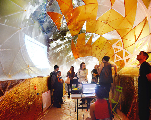 CUERPOinflatable-classroom-NYC-dumpster-designboom-11