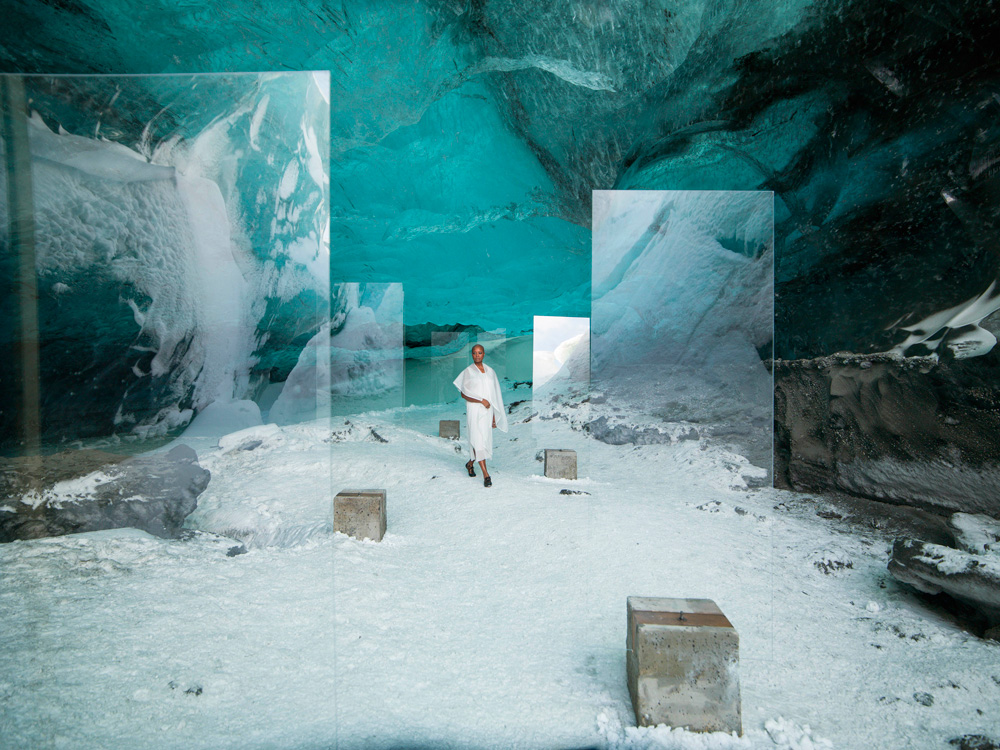 Stones Against Diamonds (2015). © Isaac Julien. Cortesía de Rolls-Royce Motor Cars