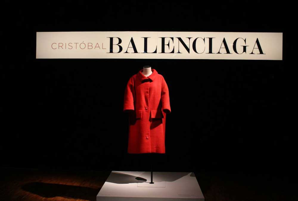 Cristóbal Balenciaga: el discreto esplendor de la Alta Costura (2016). Vistas del Museo de Arte Moderno. © Mariana R. Fomperosa