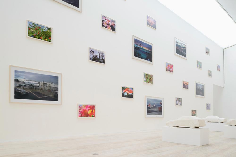 Vista de la exposición Peter Fischli David Weiss: Cómo trabajar mejor (2016). Fotografía tomada del sitio web del Museo Jumex.