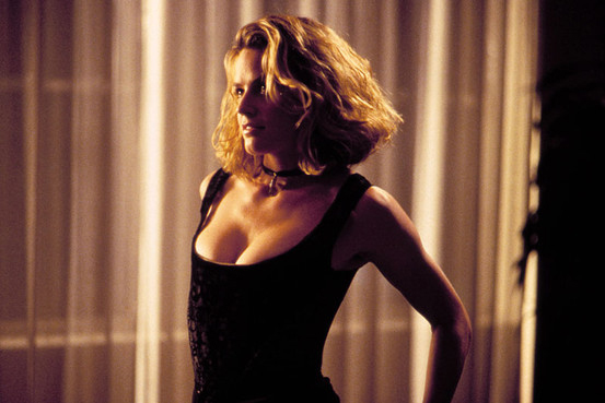 Elisabeth Shue en Adiós a Las Vegas (1995). Imagen tomada de savagecorsets.blogspot.mx