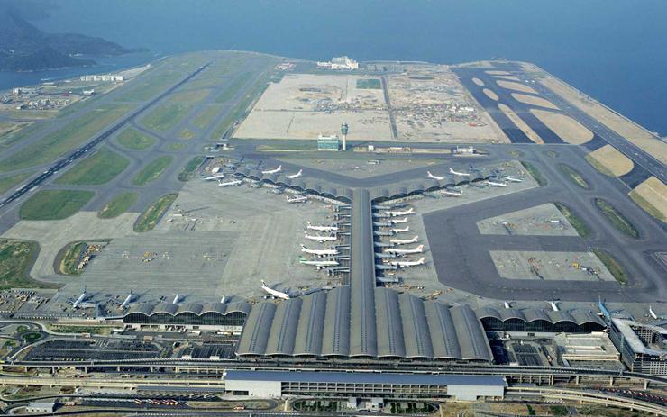 Aeropuerto Internacional de Hong Kong. Imagen tomada de fosterandpartners.com