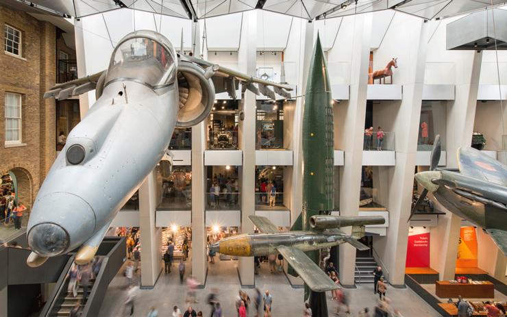 Vista del Museo Imperial de la Guerra de Londres. Imagen tomada de fosterandpartners.com