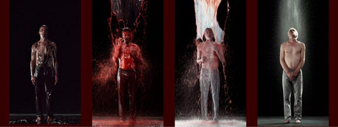 Hombre mojado en un performance